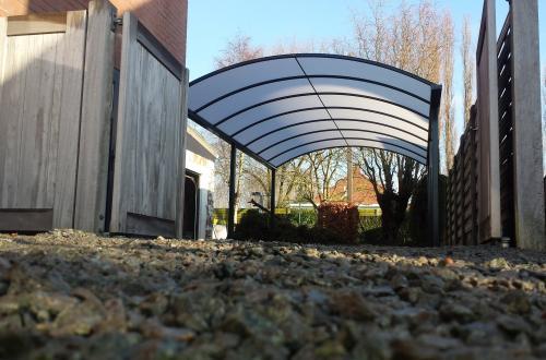 Carport met gebogen dak 2
